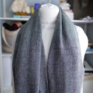 Kangra cashmere herringbone scarf shawl